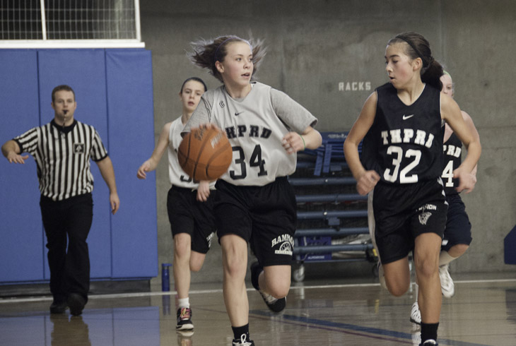 THPRD's youth basketball leagues are open to girls and boys in grades 5-12 attending Beaverton School District schools or residing within the THPRD boundaries.