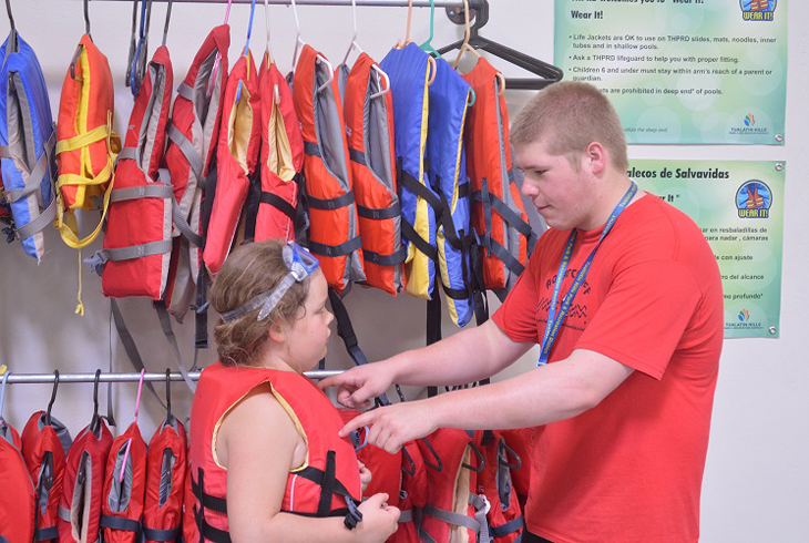 Nervous or new to swimming? Wear a life jacket at no charge.
