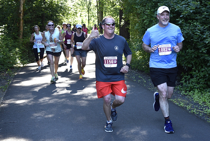 Jones, Fagin run Rose Festival Half Marathon together